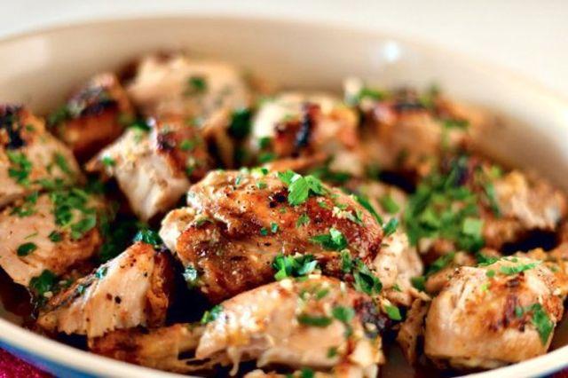Печено пиле с билки