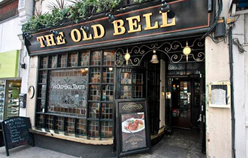 Паб The Old Bell Tavern
