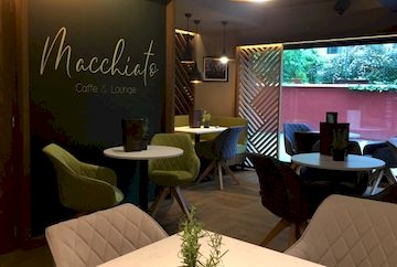 Macchiato Caffe & Lounge, Венгрия