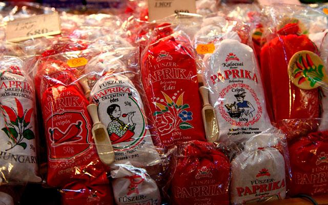 Популярный венгерский сувенир паприка