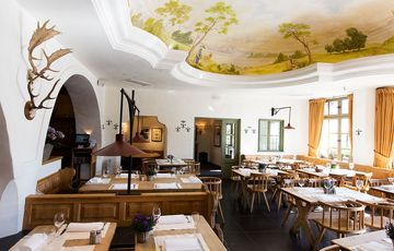 Немецкий пивной ресторан Spatenhaus an der Oper