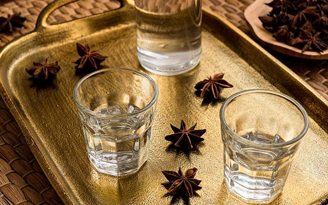 Алкогольный напиток Арак