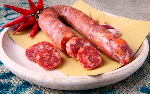 Колбаса сальсичча