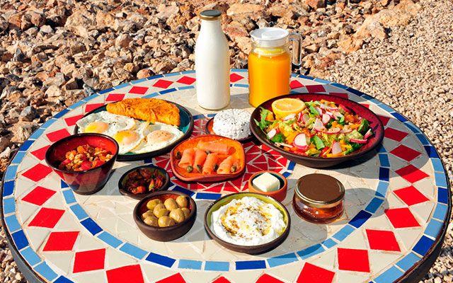 Традиционный еврейский завтрак