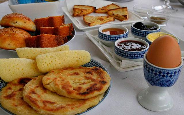Марокканские лепешки с джемом