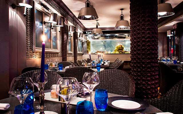 Шикарный ресторан Le Bar à Huîtres