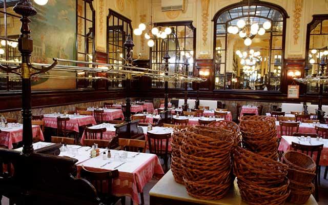 Уютный ресторан Le Bouillon Chartier