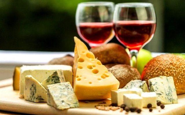 Портвейн с сыром, фото
