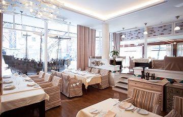 Ботик Петра, ресторан морепродуктов